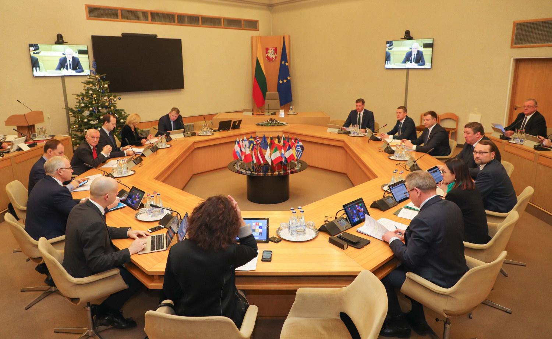 Finansų ministerija inicijuos išskirtinių aplinkybių nustatymą Lietuvoje