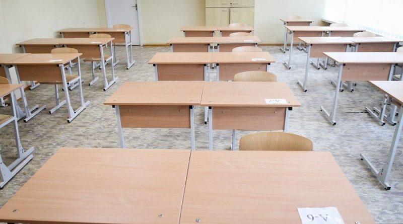 Vieni mokytojai ruošiasi nuotoliniam mokymui, kiti atostogauja. Kodėl?