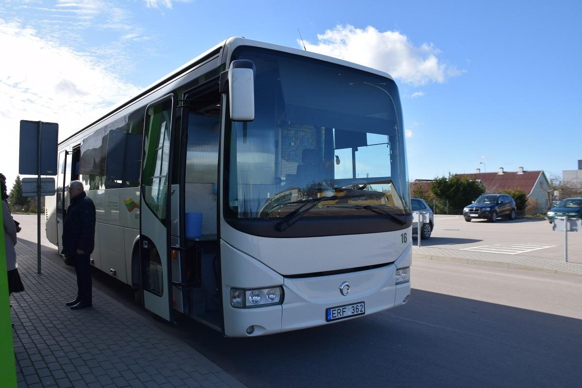 Specialus autobusas galimiems viruso COVID-19 nešiotojams parengtas