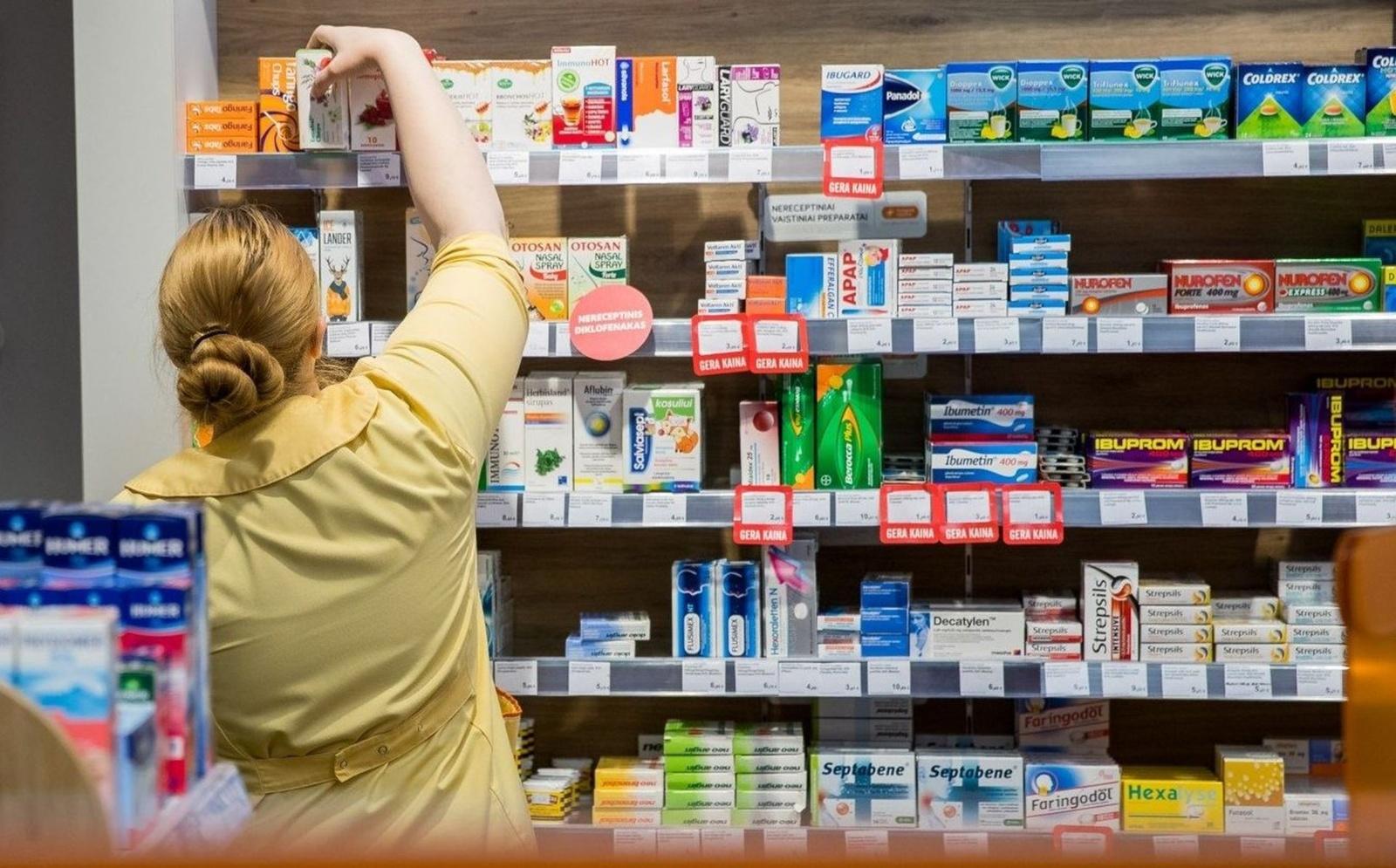 Keičiasi Varėnos vaistinių darbo laikas karantino metu