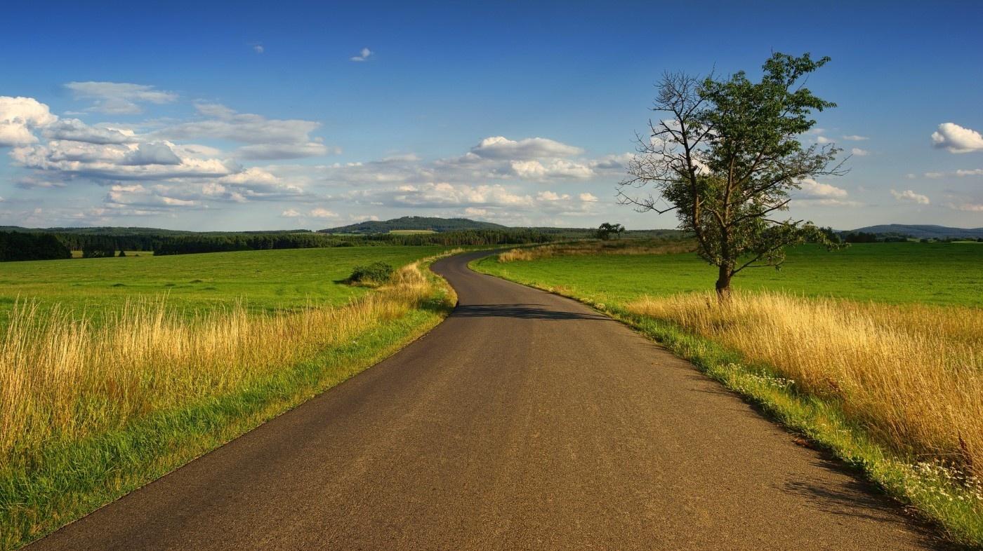 Pasirašytos sutartys dėl kelių priežiūros darbų Šilalės rajone