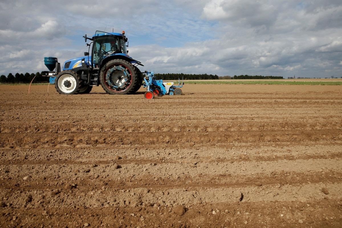 Net karantino metu Kauno rajono ūkininkai ruošiasi pavasario darbams