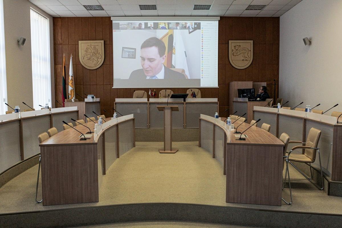 Taryba priėmė sprendimus, padėsiančius suvaldyti COVID-19 plitimą