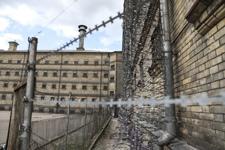 Jei atsirastų didelių viruso protrūkių pataisos namuose, būtų galima vėl atidaryti Lukiškių kalėjimą