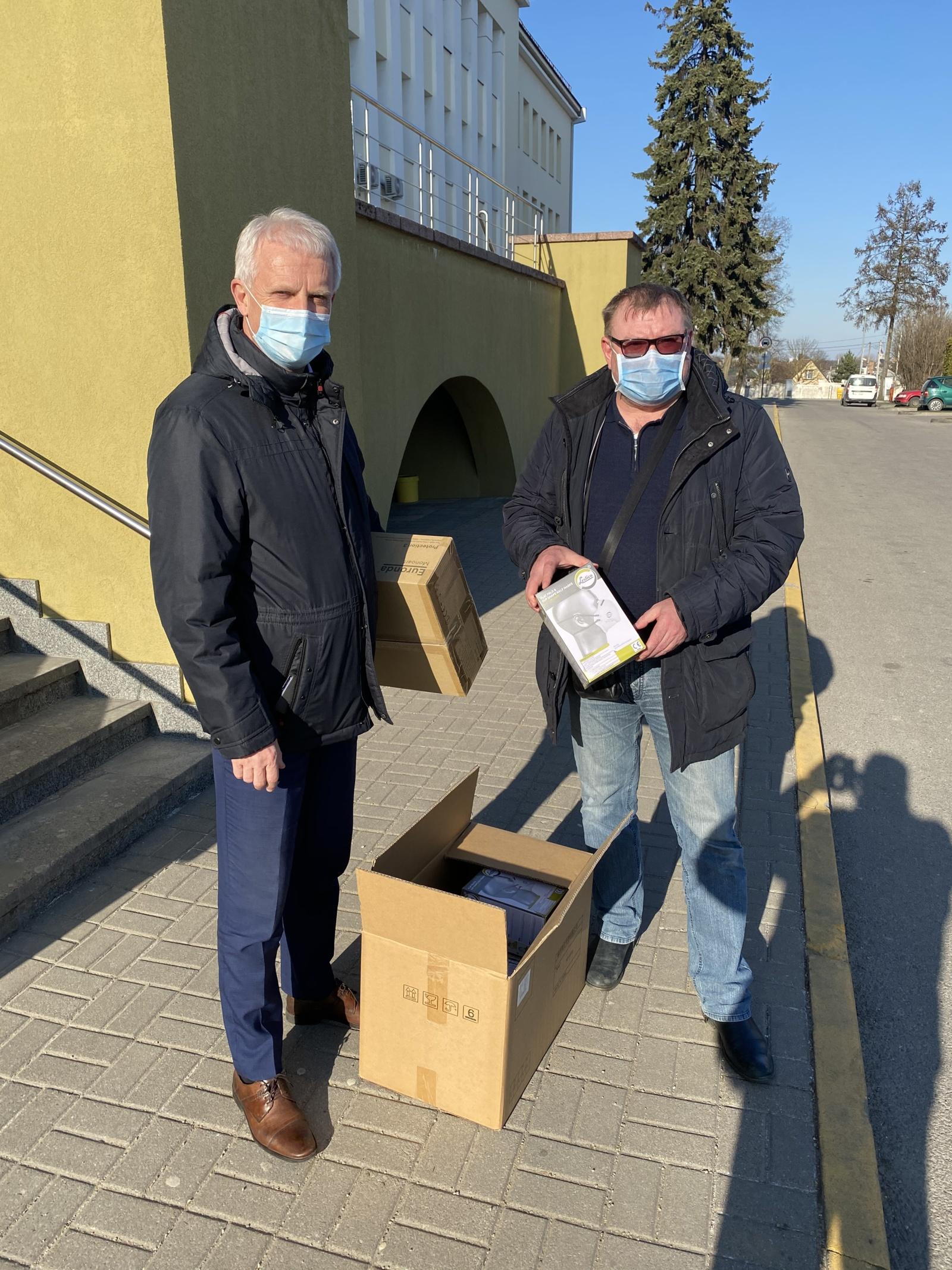 Šiaulių pramonininkų asociacija kartu su LPK prisideda prie paramos medikams