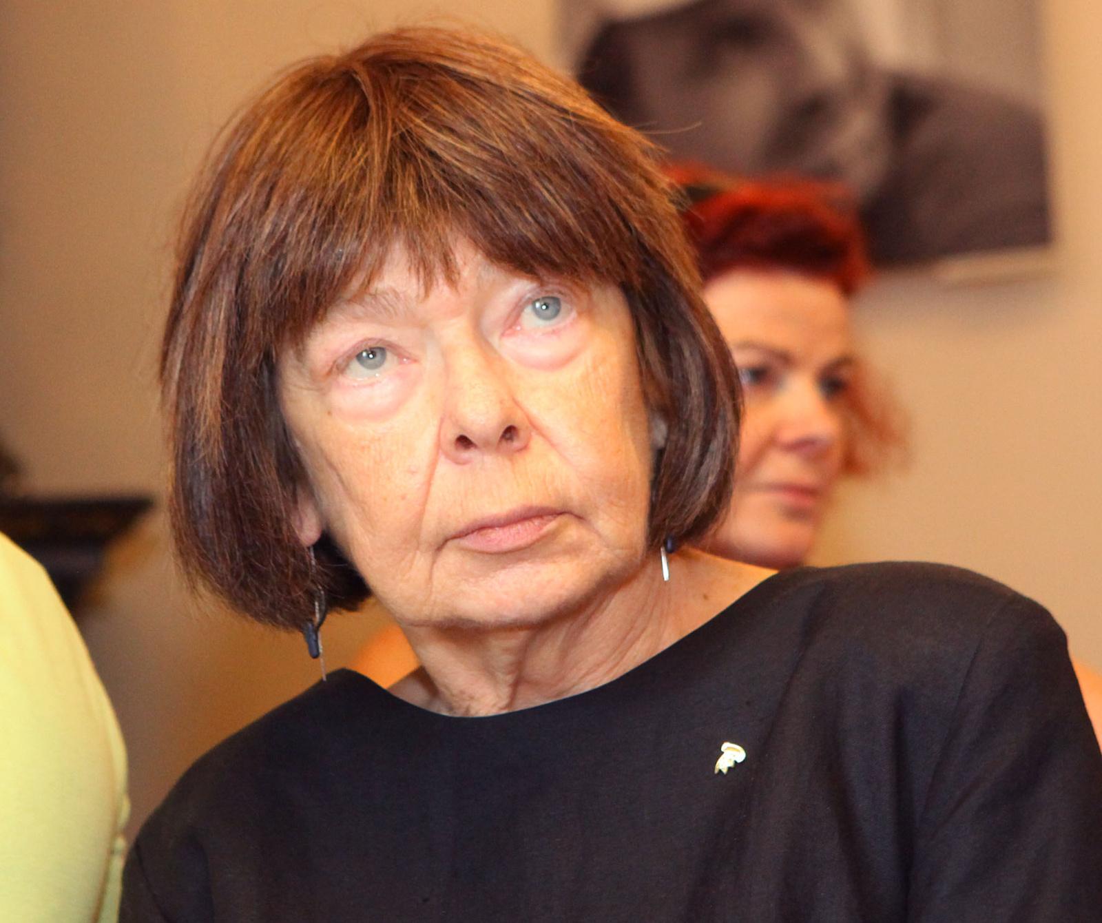 Mirė poetė, rašytoja, žurnalistė E. Juodvalkė