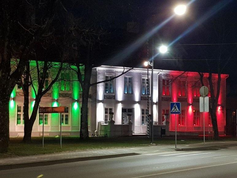 Hugo Šojaus dvaras nušvito Italijos vėliavos spalvomis