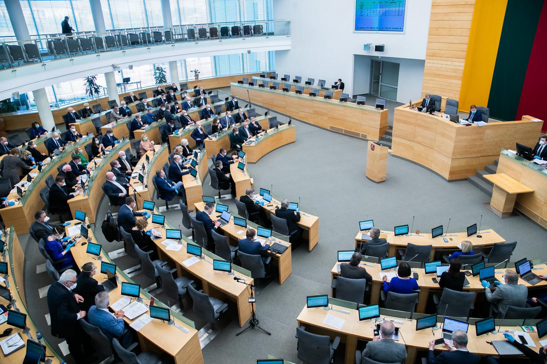 Seimas nepritarė Prezidentūros siūlymui neskirti A. Dulkio antrai valstybės kontrolieriaus kadencijai