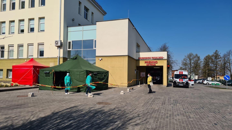 Respublikinėje Šiaulių ligoninėje – naujas COVID-19 protrūkis (tikrina ir įmones, ir bažnyčias)