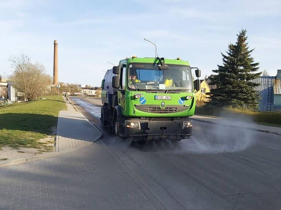 Šiaulių mieste pradėtas gatvių plovimas