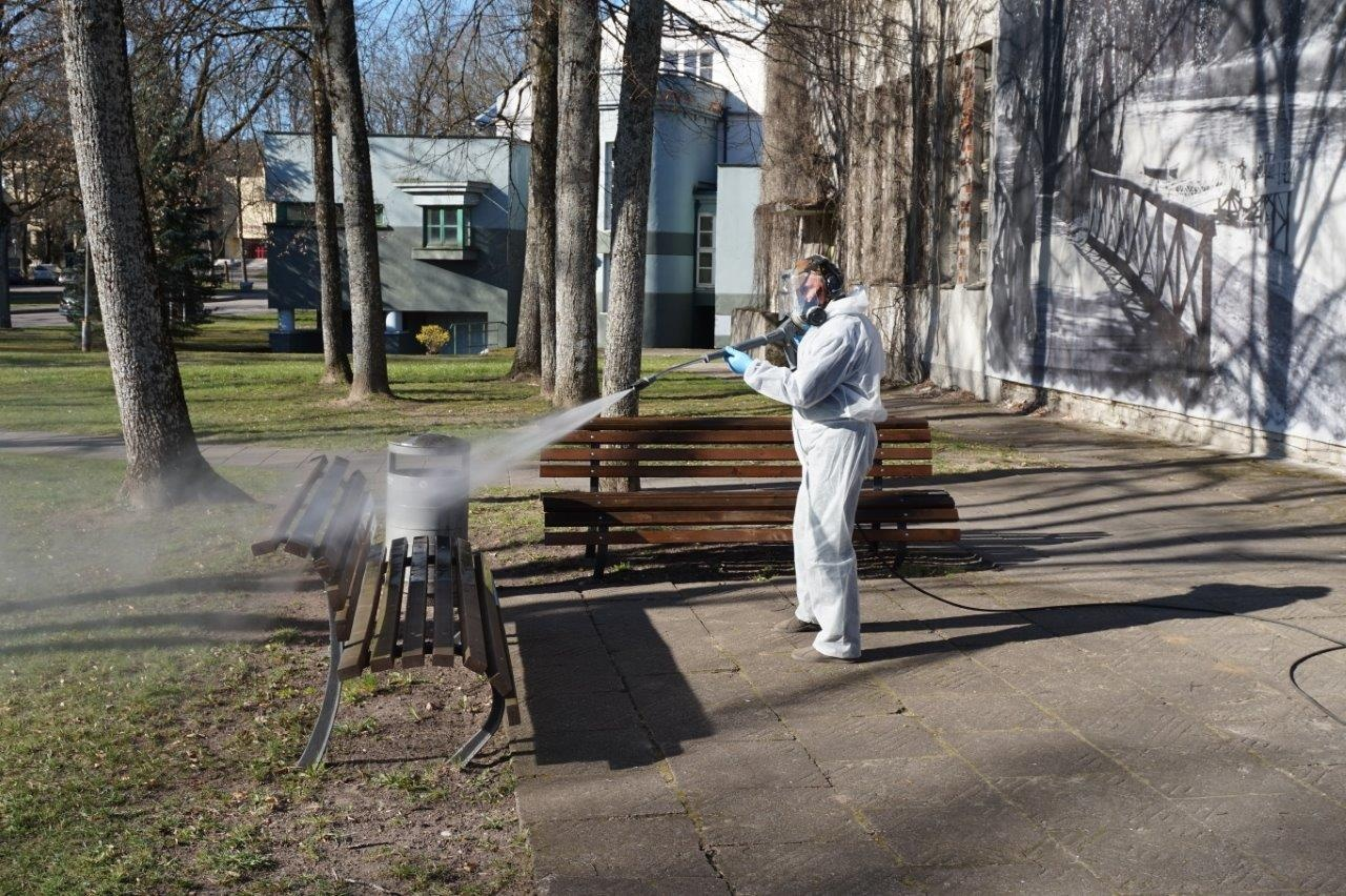 Birštono viešose erdvėse pakartotinai atlikti dezinfekavimo darbai