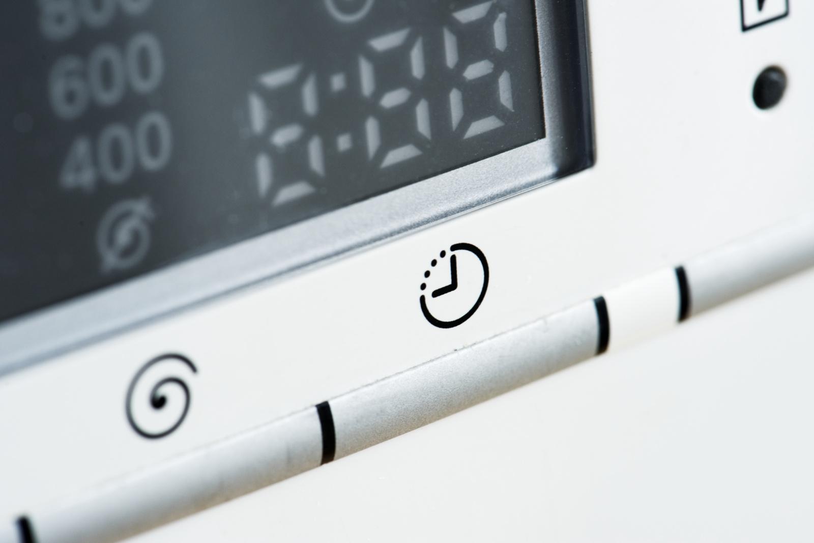 Kai namuose ir darbas, ir laisvalaikis – kaip saugiai naudotis visais elektros prietaisais?
