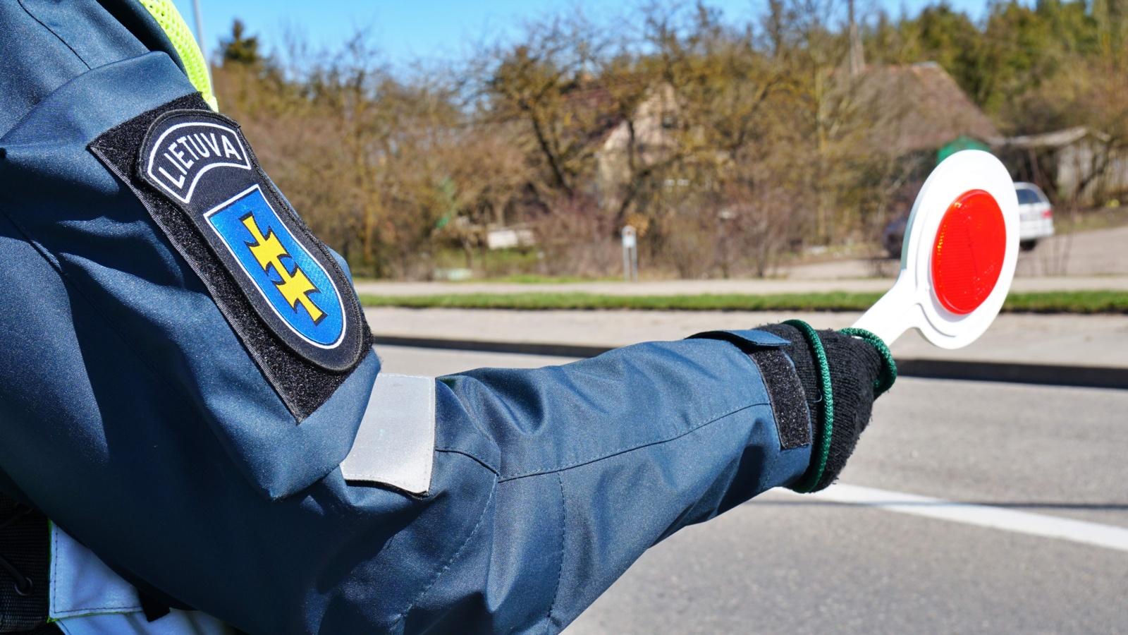 Praėjusią parą Klaipėdos apskrityje patikrinti 13775 automobiliai, neįleisti 25