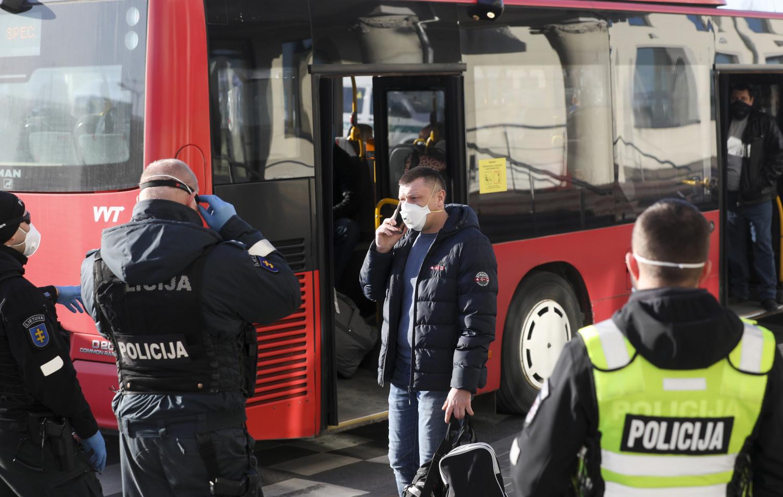 Pirmadienį dėl karantino draudimų nesilaikymo policija išrašė 82 protokolus