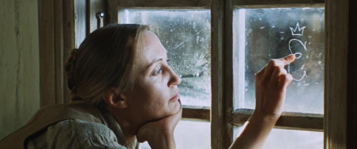 """Pirmoji proga pamatyti atgimusį filmą """"Moteris ir keturi jos vyrai"""" – televizijos eteryje"""