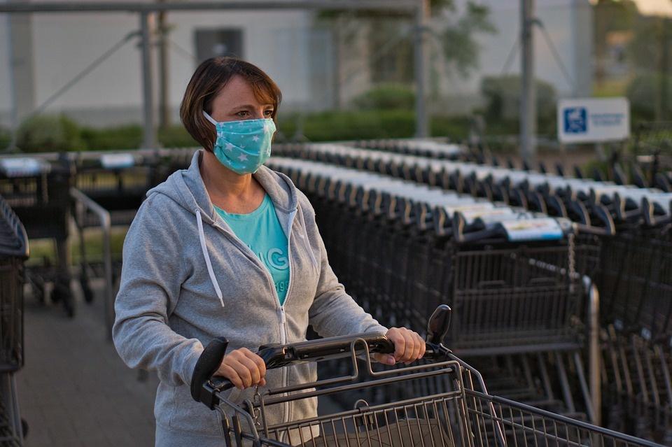 Svarbiausi trečiadienio įvykiai: viruso plitimas, nauja mirtis ir epidemiologų nerimas