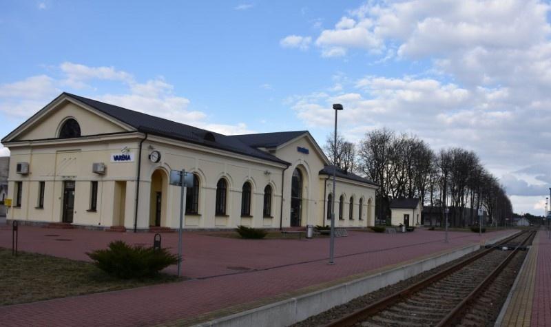 Susisiekimo ministras siūlo atkurti geležinkelio liniją į Gardiną