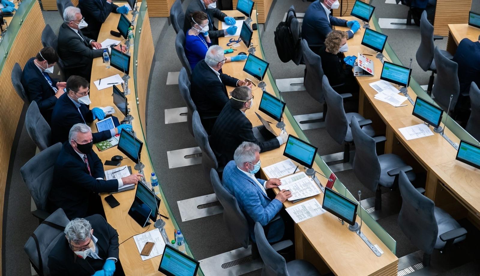 """""""Socialdarbiečiai"""" siūlo Seimo rinkimus šiemet rengti ir internetu"""