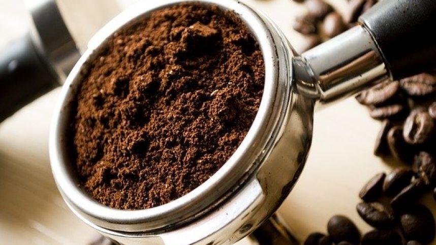 Neskubėsite išmesti kavos tirščių, kai sužinosite, kokie jie naudingi