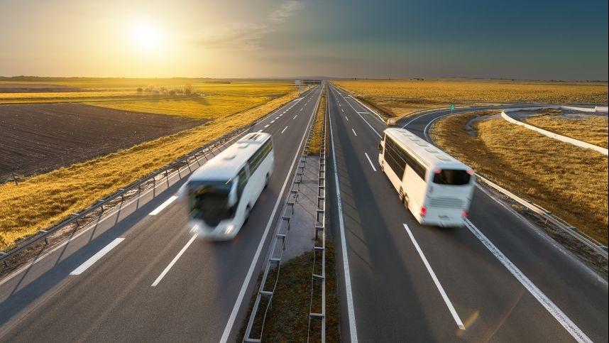 Autobusais siūlo keliauti į visus miestus, bet surenka tik po kelis keleivius