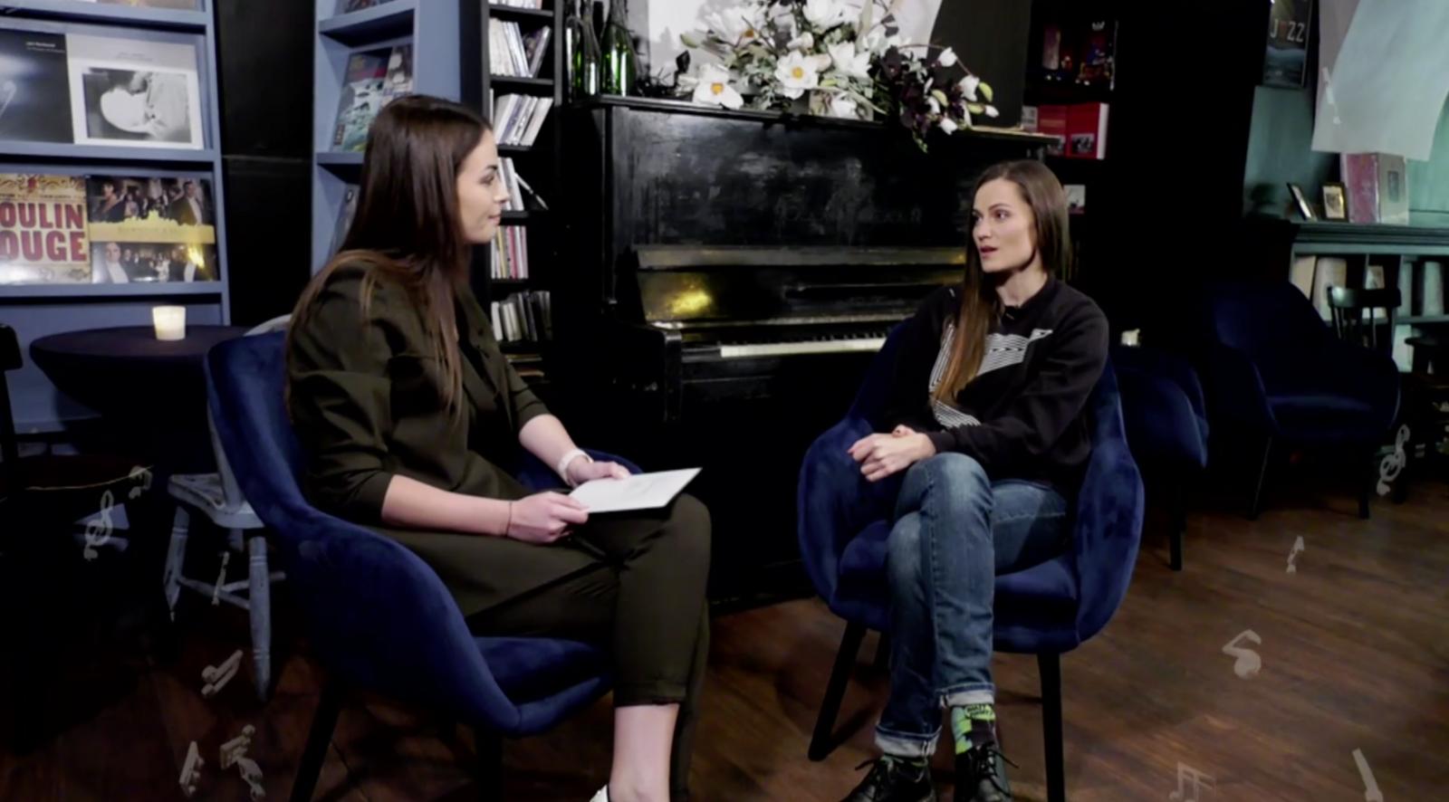 """Dainininkė Jurga Šeduikytė laidoje prisipažino: """"Aš dabar mokausi būti mama"""""""