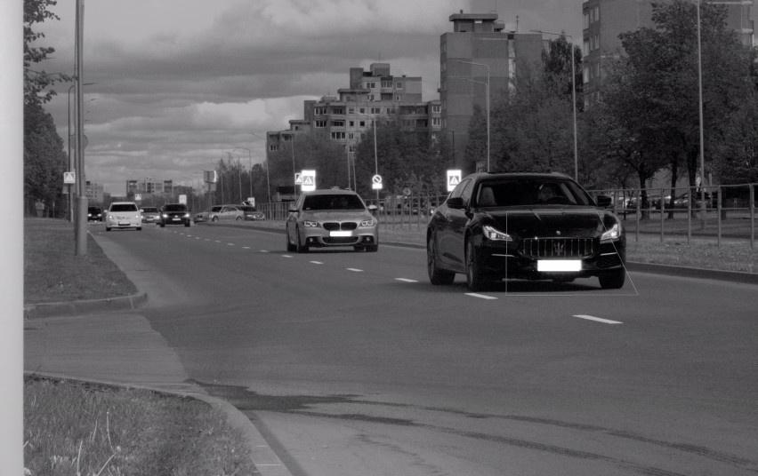"""""""Maserati"""" vairuotojui, skriejusiam Kauno gatvėmis, gresia teisės vairuoti atėmimas"""