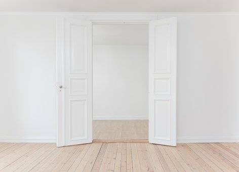 Vidaus durys: kodėl jų montavimą svarbu patikėti specialistams?
