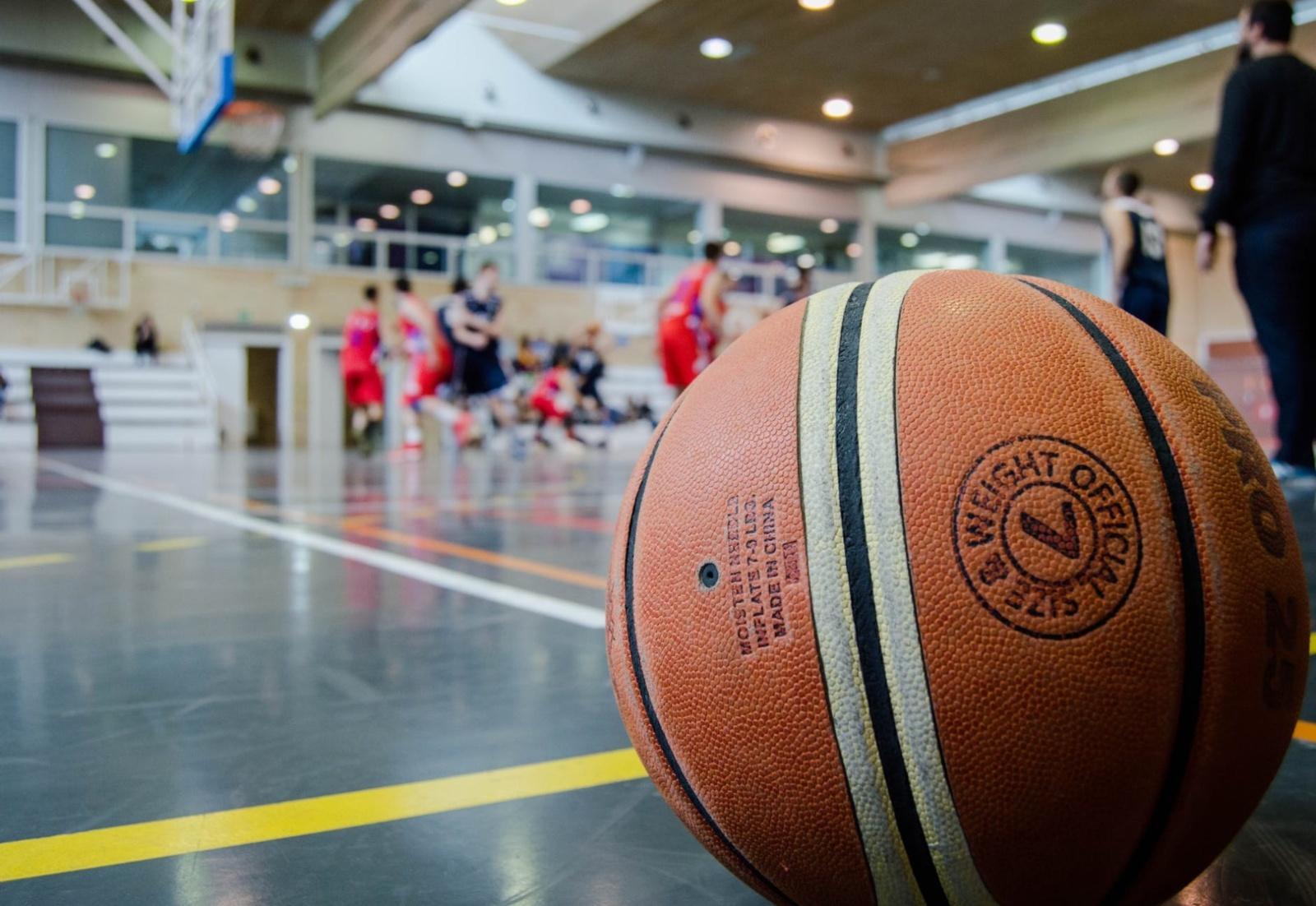 Sporto mėgėjams jau leidžiama treniruotis mokyklų sporto salėse