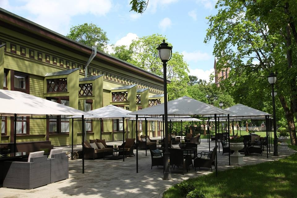 Birštono miesto kavinėms bei restoranams atvertos miesto viešosios erdvės