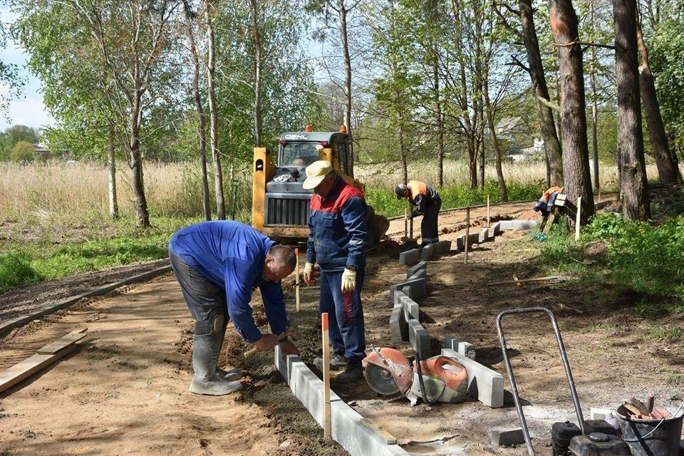 Uteniškius džiugina Vyžuonaičio parke vykstantys darbai