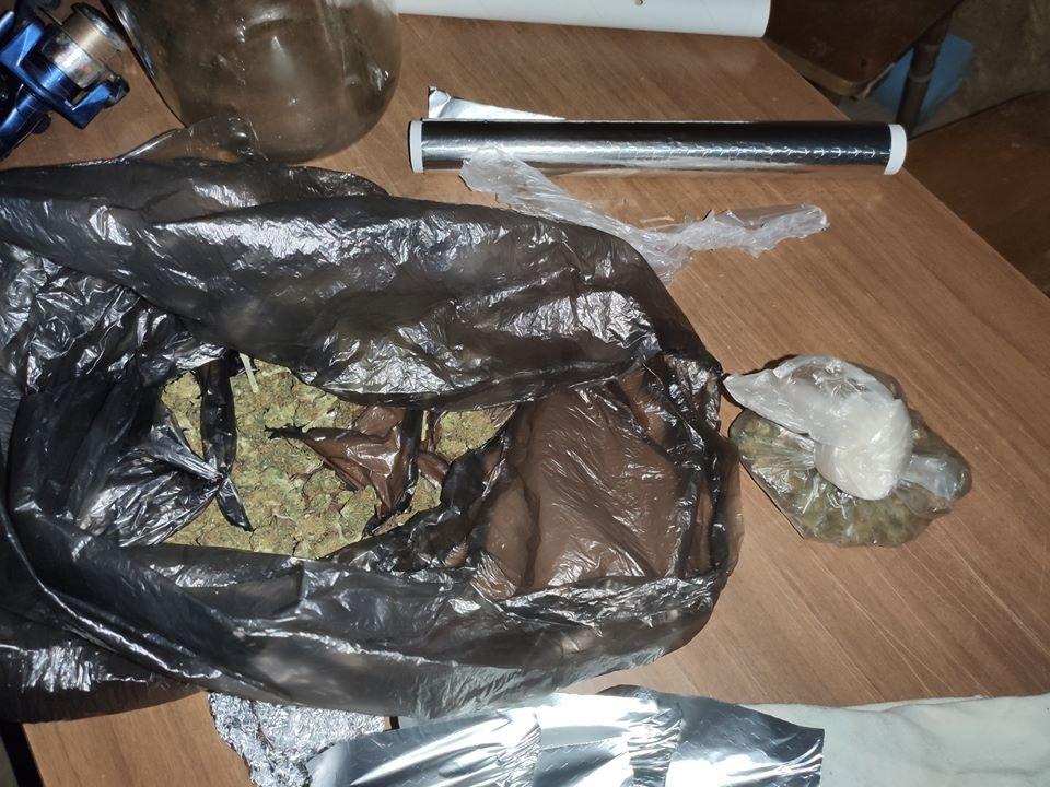 Elektrėnų policija sulaikė jaunuolį, įtariamą narkotinių medžiagų platinimu