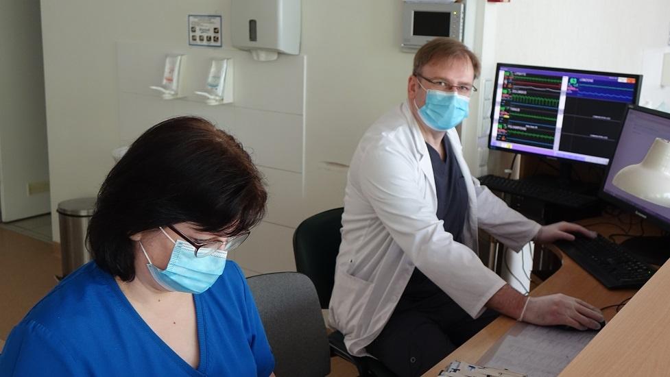 #PriešakinėseLinijose. Panevėžio ligoninės gydytojas anesteziologas Arūnas Valikonis: dabar mes labiausiai mokomės iš savo pačių patirties