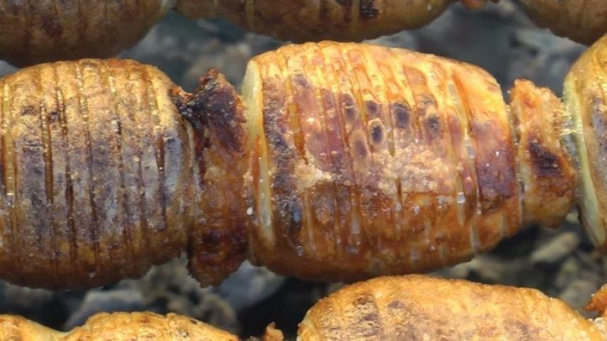 Tikras skanumėlis – bulvių šašlykai