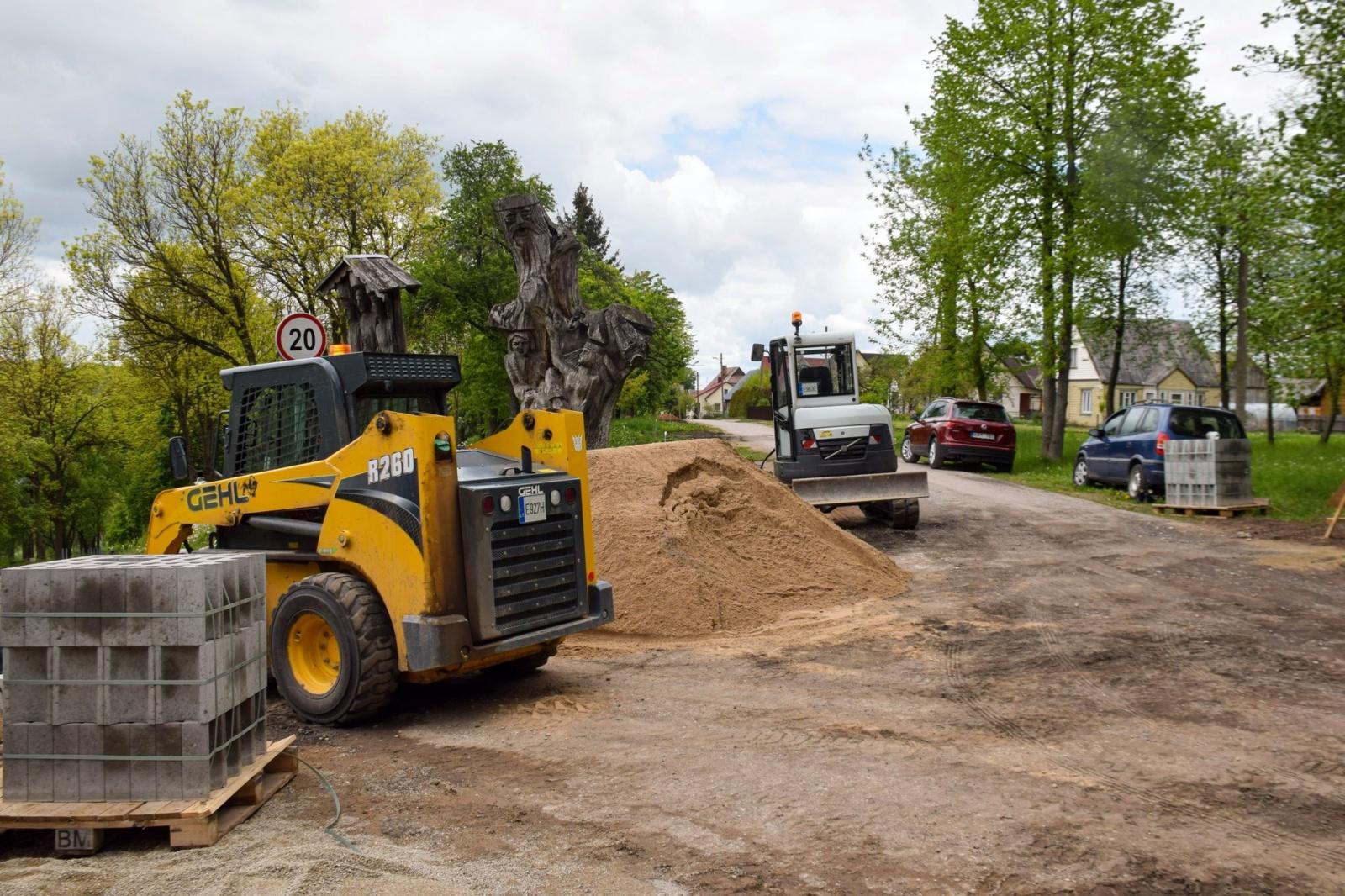 Ariogaloje vyksta Slėnio gatvės remonto darbai