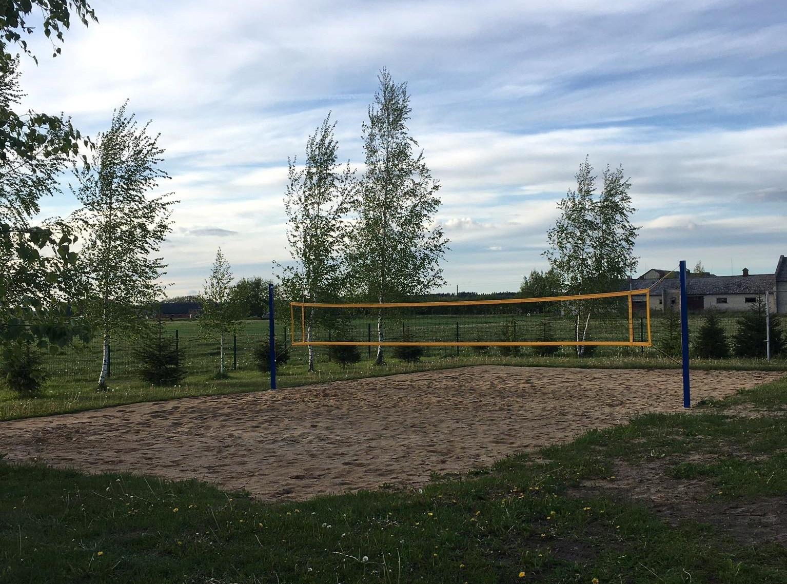 Antupių kaime įrengta nauja tinklinio aikštelė