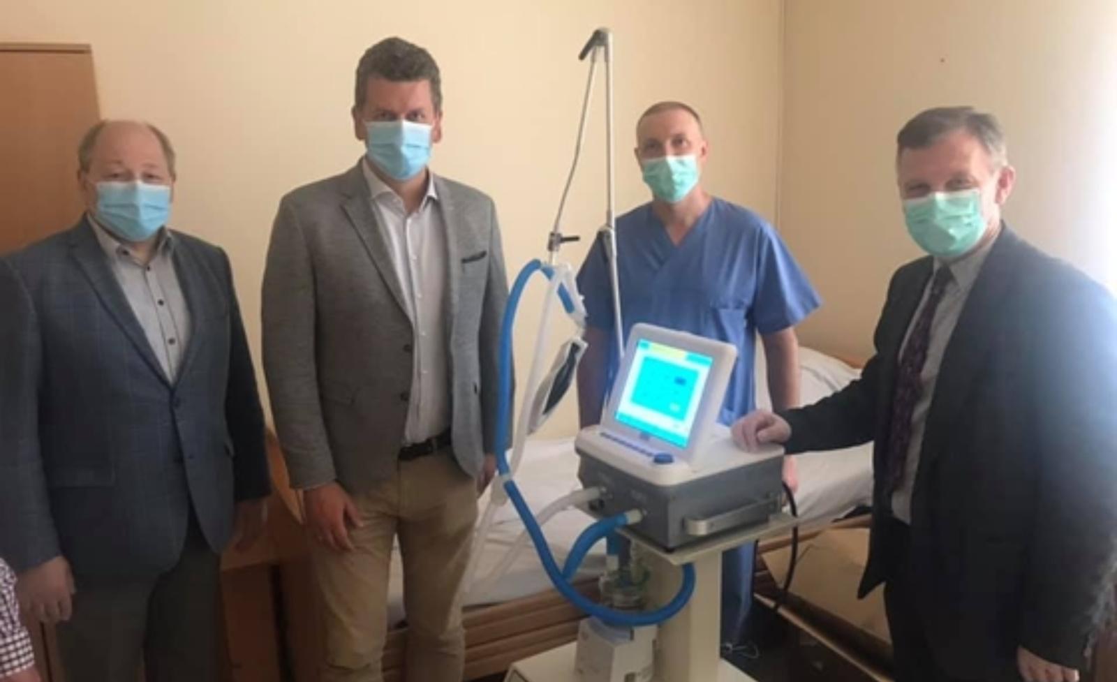 Radviliškio ligoninę pasiekė naujas plaučių ventiliavimo aparatas