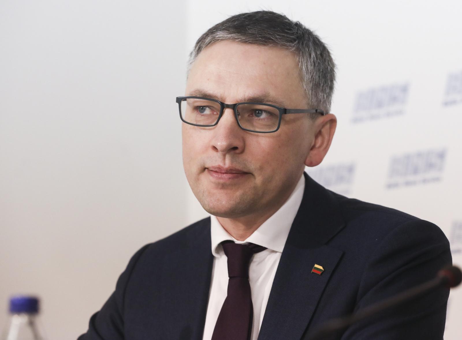 Seimo NSGK prašys V. Pranckiečio iš V. Bako atimti leidimą dirbti su slapta informacija