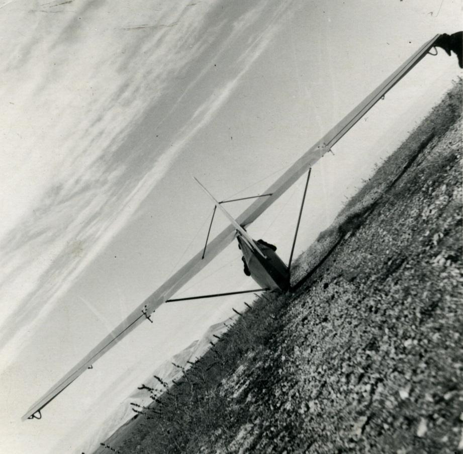 """A.Gustaičio medalių įteikimas ir paskaita apie legendinio sklandytuvo BrO-9 """"Žiogas"""" atkūrimą"""