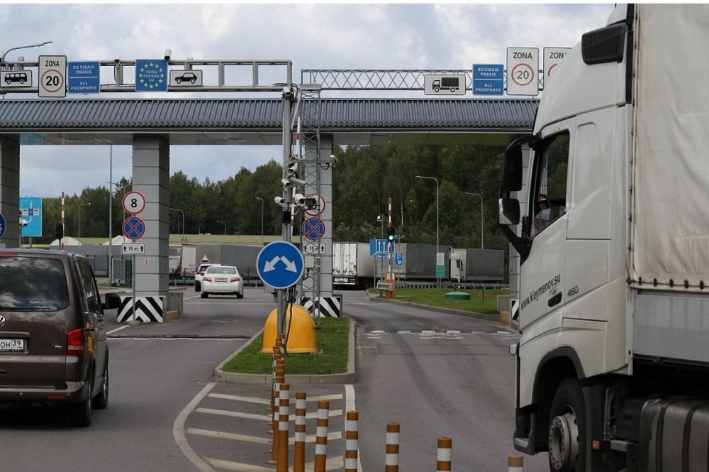 Pasieniečių vadas: žmonės labai aktyviai keliauja po Baltijos šalis