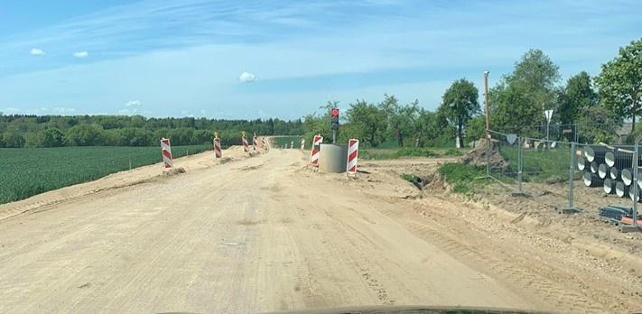 Pradėti asfaltavimo darbai regioniniuose keliuose