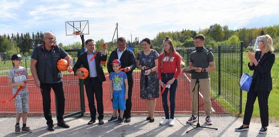 Juodiškių kaime duris atvėrė sporto aikštynas