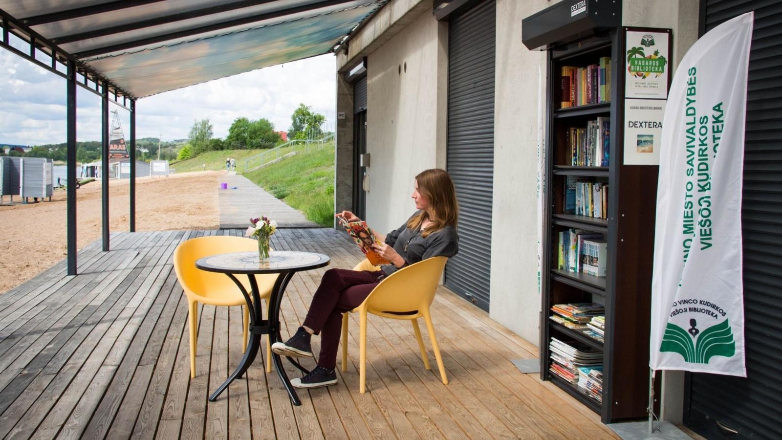 Kauno savivaldybės bibliotekos padaliniai vėl įkurdinami paplūdimiuose