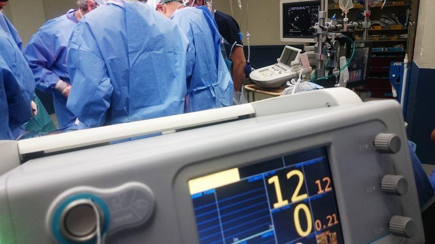 Valstybė pildo medicinos įrangos ir apsaugos priemonių atsargas