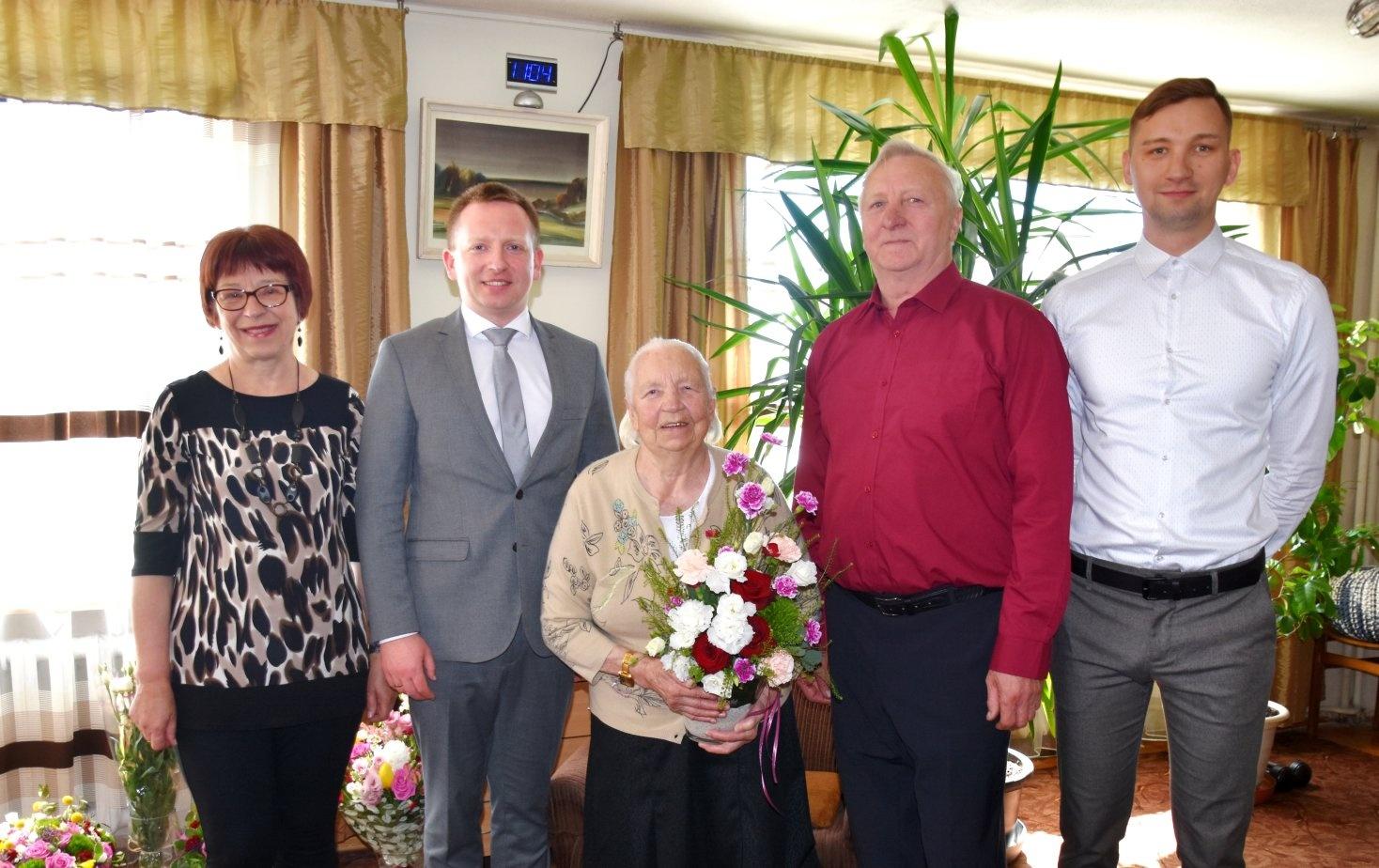 Pasveikinta šimtametė Leonida Januškevičienė: ilgo gyvenimo paslaptis – malda ir darbas