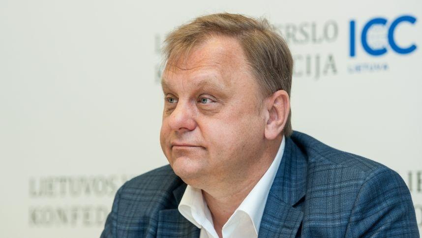 STT: V. Sutkus galimai siekė sumenkinti buvusį ministrą R. Masiulį