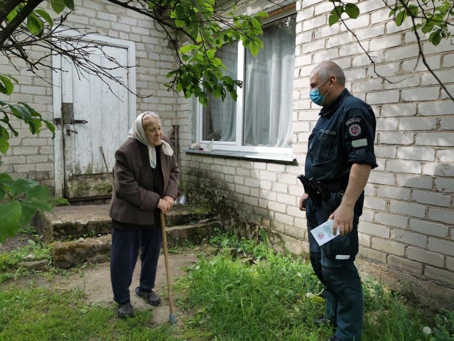 Alytaus policija skirs dėmesio kaimiškose vietovėse gyvenantiems senoliams