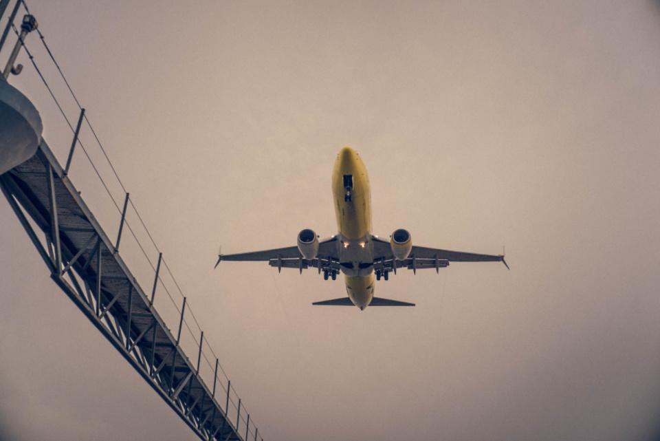 Prancūzijoje turistų lėktuvui susidūrus su ultralengvuoju orlaiviu žuvo penki žmonės