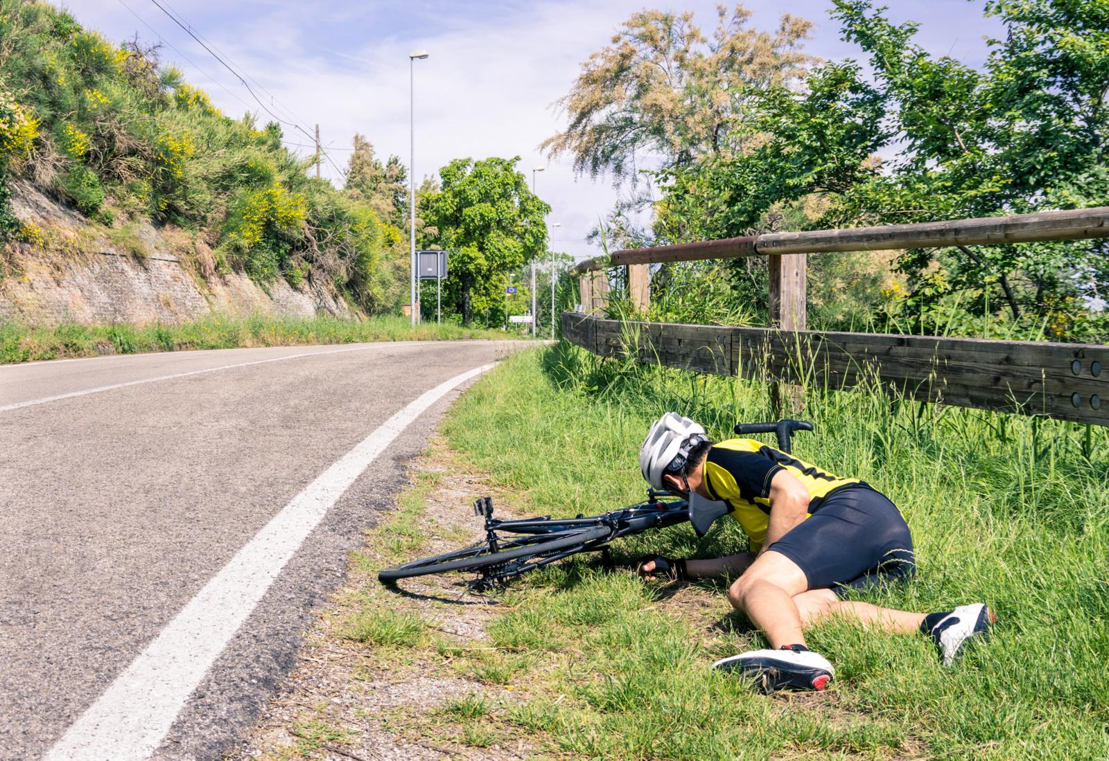 Panevėžio rajone automobilis partrenkė dviratininką