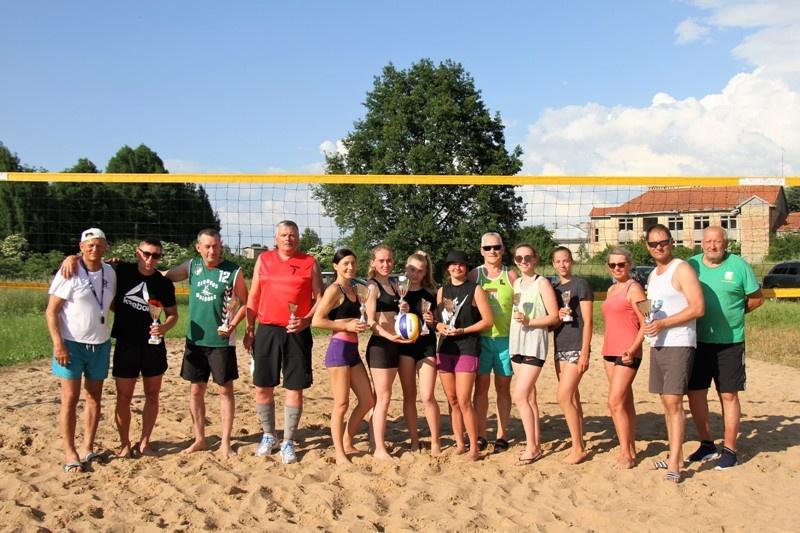 Paaiškėjo Pagėgių savivaldybės paplūdimio tinklinio sezono atidarymo turnyro  nugalėtojai
