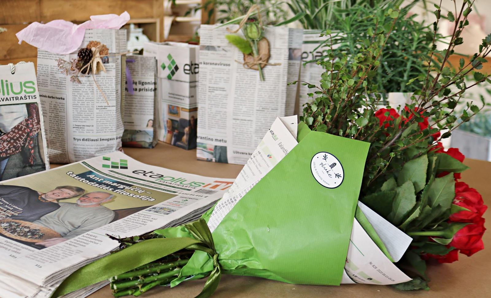 Perskaitytas laikraštis gali tapti ekologišku maišeliu (vaizdo įraše – gamybos pamokėlė)